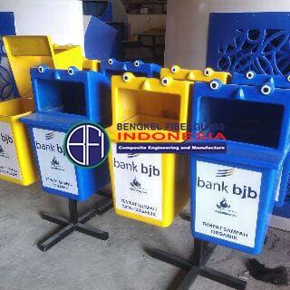gambar kontainer sampah
